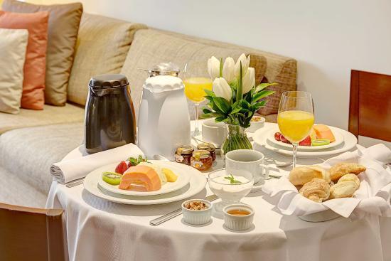 Etoile Hotels Itaim: Café da Manhã na Suíte