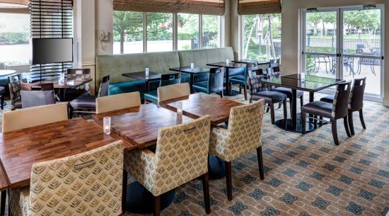 Hilton Garden Inn Rockaway: Garden Grille Seating