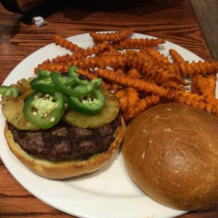 The Library Sports Grille & Brewery: Burger