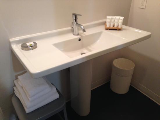 Hotel Bathroom Sink : Custom Hotel: Bathroom sink