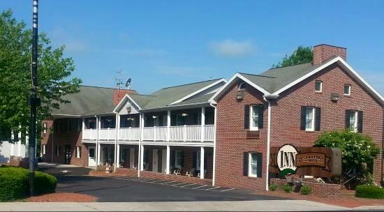 Inn at Cemetery Hill: Main Builidng