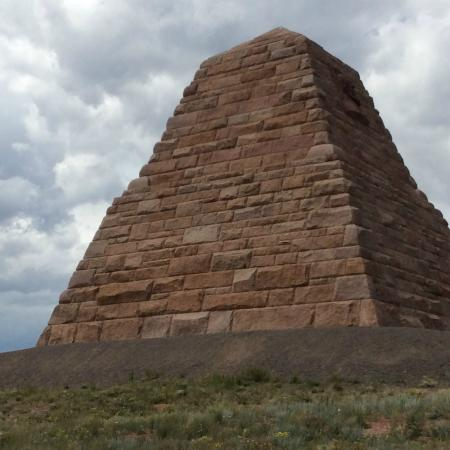 Buford, WY: Monument