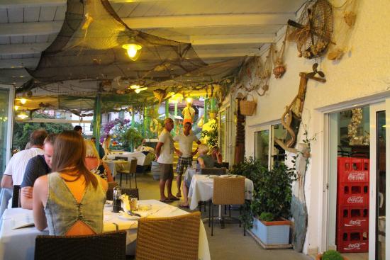 Taverna Stefanos: The restaurant