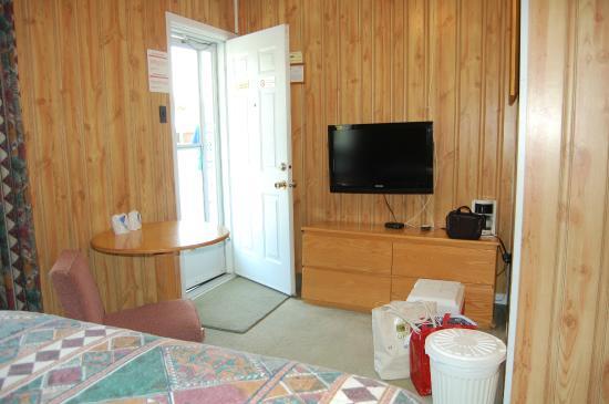 John's Motel : entry