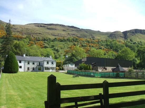 Glenariff, UK: Beautiful setting of Dieskirt Farm B & B