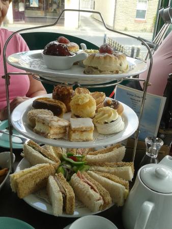 Chadwicks Fine Food Emporium: Afternoon tea, excellent