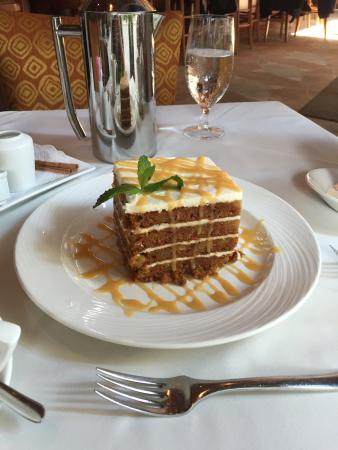 Eddie Merlot's Louisville : Massive carrot cake. Two of us couldn't finish it. Very good tasting.