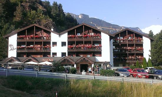 Residence des alpes corpo centrale foto di residence - Hotel cavalese con piscina ...