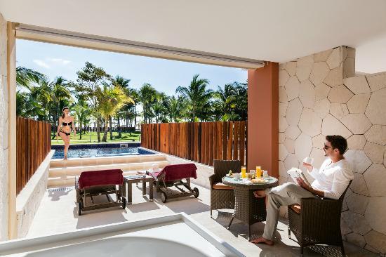 Barcelo Maya Caribe Junior Suite Swim Up Club Premium