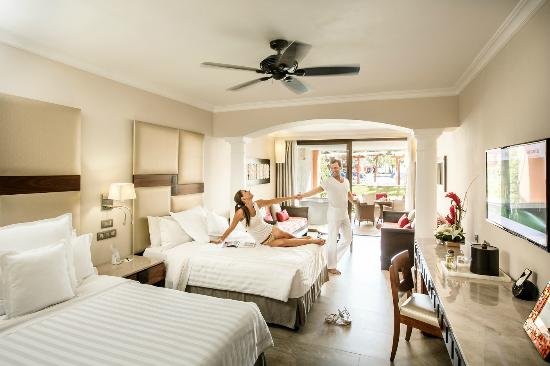 Barcelo Maya Beach Junior Suite Ocean Front Club Premium