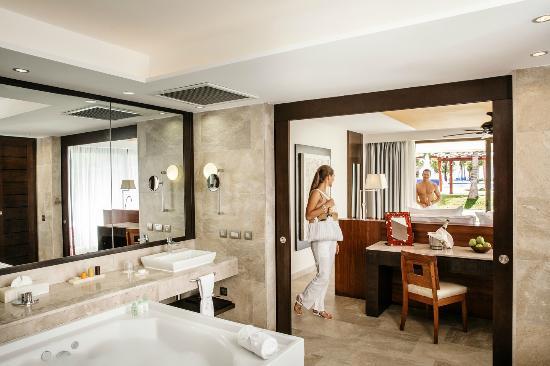 Barcelo Maya Beach Suite Ocean Front Club Premium