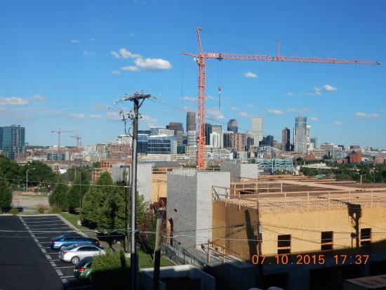Hampton Inn & Suites Denver-Speer Boulevard: Great Denver skyline View from room 403