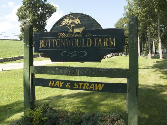 Griswold, CT: Entrance sign to the farm.