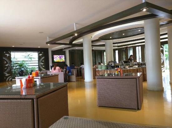 A-Te Chumphon Hotel: Breakfast area
