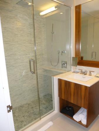 The Gotham Hotel: Bathroom, 2 Water Sprayers