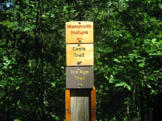 New Auburn, WI: Trail Signs