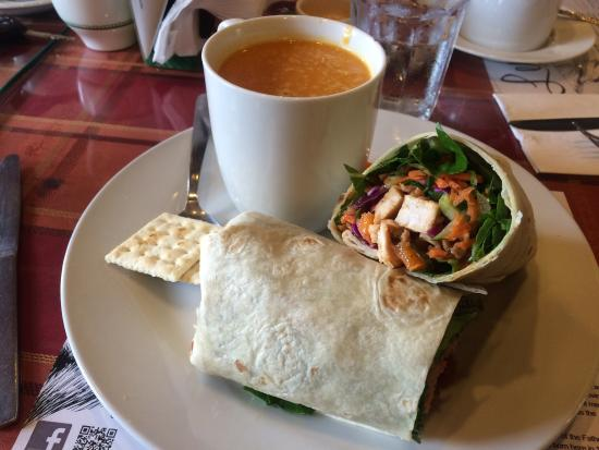 Leo's Cafe: Two great family friendly dining experiences in two days!
