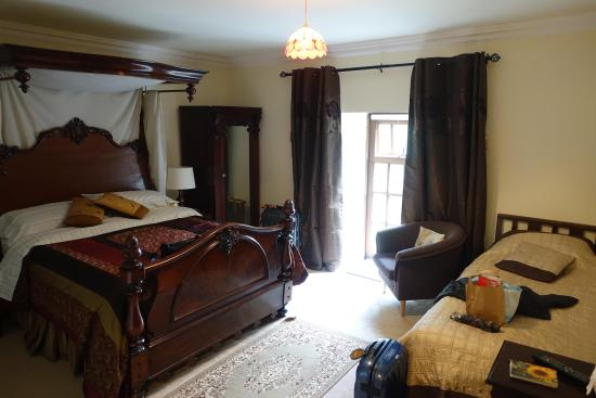 Newpark House: Our bedroom