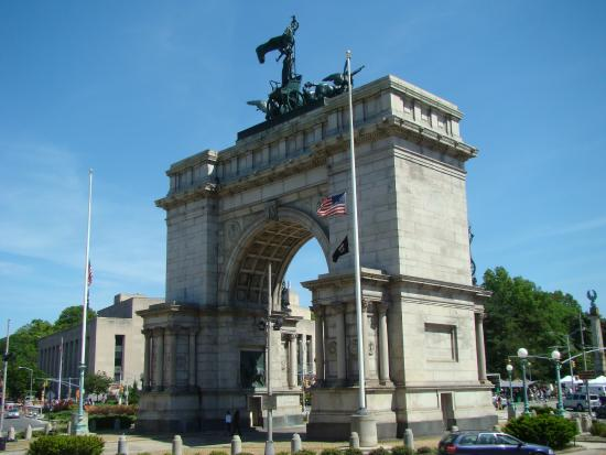 ‪Soldiers' and Sailors' Memorial Arch‬
