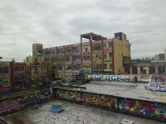 5Ptz: View from 7 train in 2012