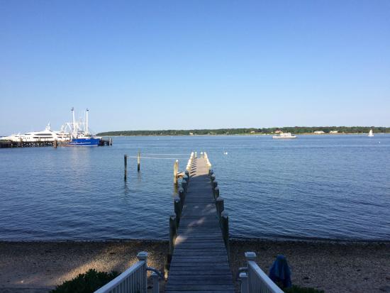 Harbor Knoll : Private beach