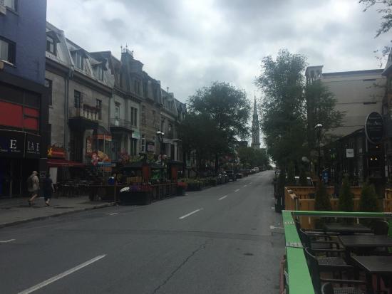 la rue st denis picture of quartier latin montreal. Black Bedroom Furniture Sets. Home Design Ideas