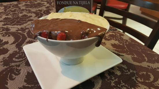 Artesana Chocolates