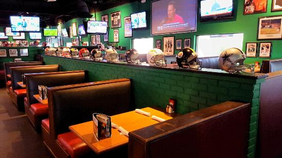 Duffy S Sports Grill Dining Room