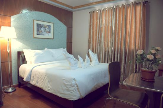 Tinhat Boutique Hotel & Restaurant: Matrimonial Room