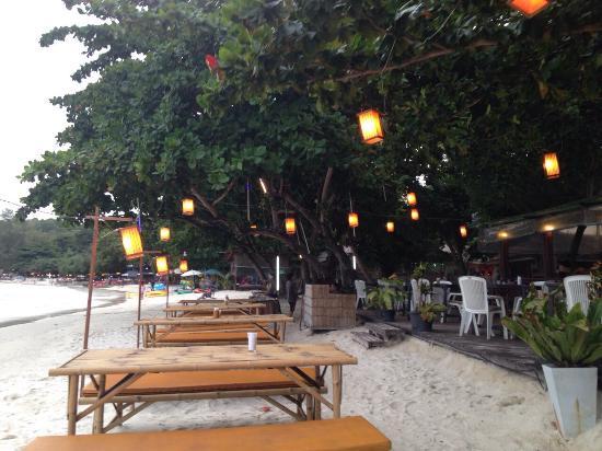 Samed Cabana Resort: Klares Meereswasser und sehr sauberer Strand, Service top und das Essen ganz lecker. Was will ma