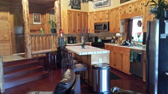 Evergreen Haus: Kitchen