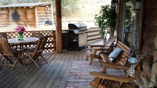 Evergreen Haus: Porch/ BBQ