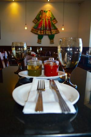 Данвилл, Калифорния: Dinning Room Flamboyant lady dress