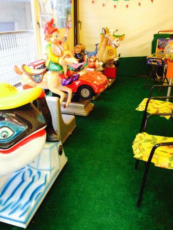 Sala Giochi Tito & Tata: un posto dove anche i bimbi possono divertirsi!! ;)