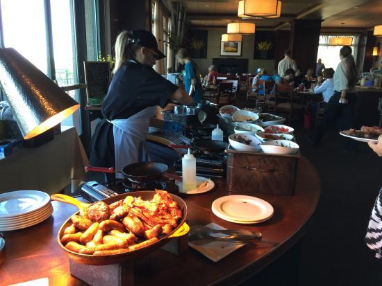 Meritage : Breakfast Buffet Omelette Station