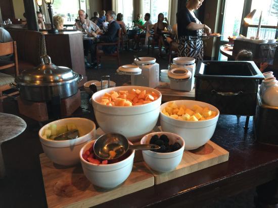 Meritage : Fresh Fruit for Breakfast Buffet