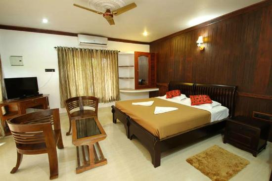 Akhil Beach Resort: ROYAL HERITAGE VILLA ROOMS
