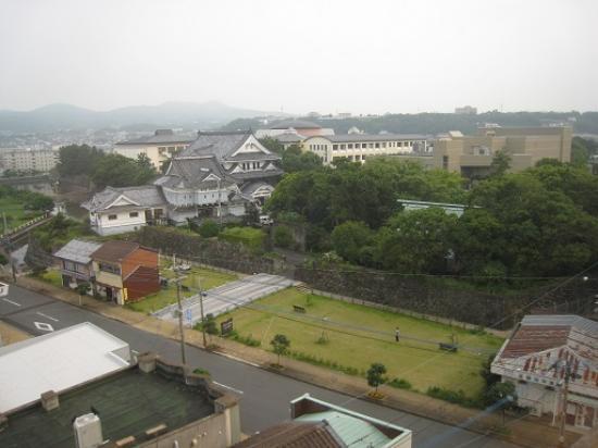 Campana Hotel: 部屋の窓からお堀や石垣の様子が良く見えます