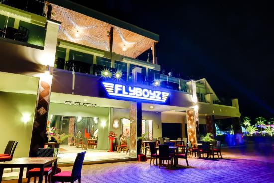 FlyBoyz Beach Bar