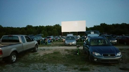 screen 2 picture of getty drivein theater muskegon