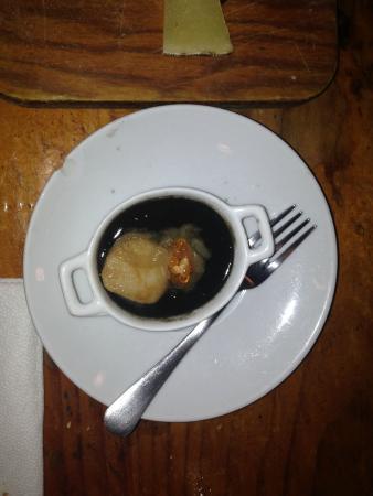 Xukela: Ζεστό pintxos  με μελάνι σουπιάς!!!!!!