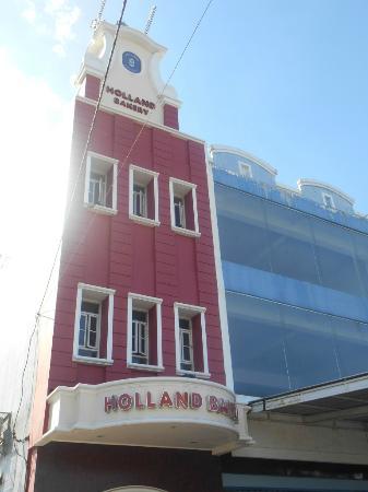 Holland Bakery Makassar Jln Boulevard No 28