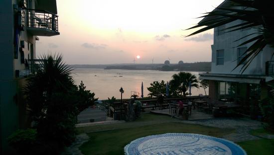 Beach Inn: 南灣的夕陽