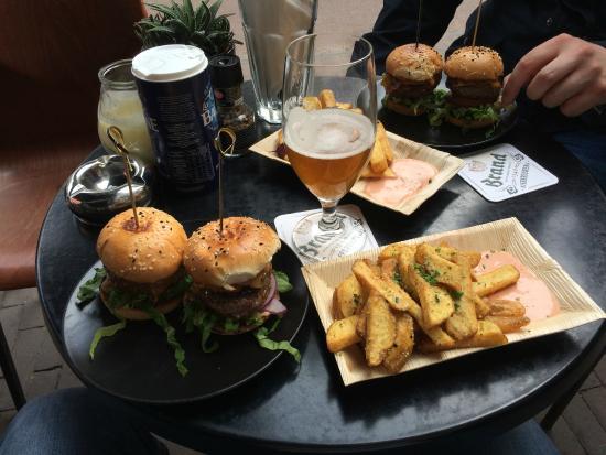 Parck: Twin Burgers
