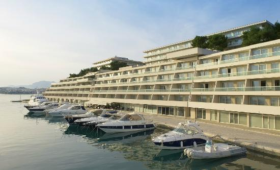 Le Meridien Lav Split: Marina and hotel view