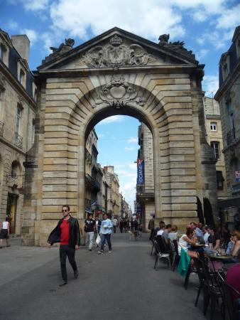 Porte dijeaux bordeaux all you need to know before you for Things to do in la porte