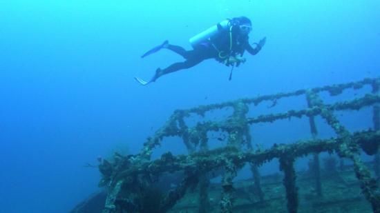 The Kuda Giri Wreck - Picture of Maafushi Dive & Water Sports ...