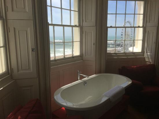 Drakes Hotel Brighton: Stand Alone Bathtub Plus View From Room