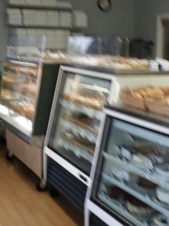 Pawleys Island Bakery: Great bakery and limited sandwiches