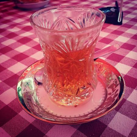 Faeton: Fruit tea smells sooo goood! :) And chicken with nuts is delicious! ;)